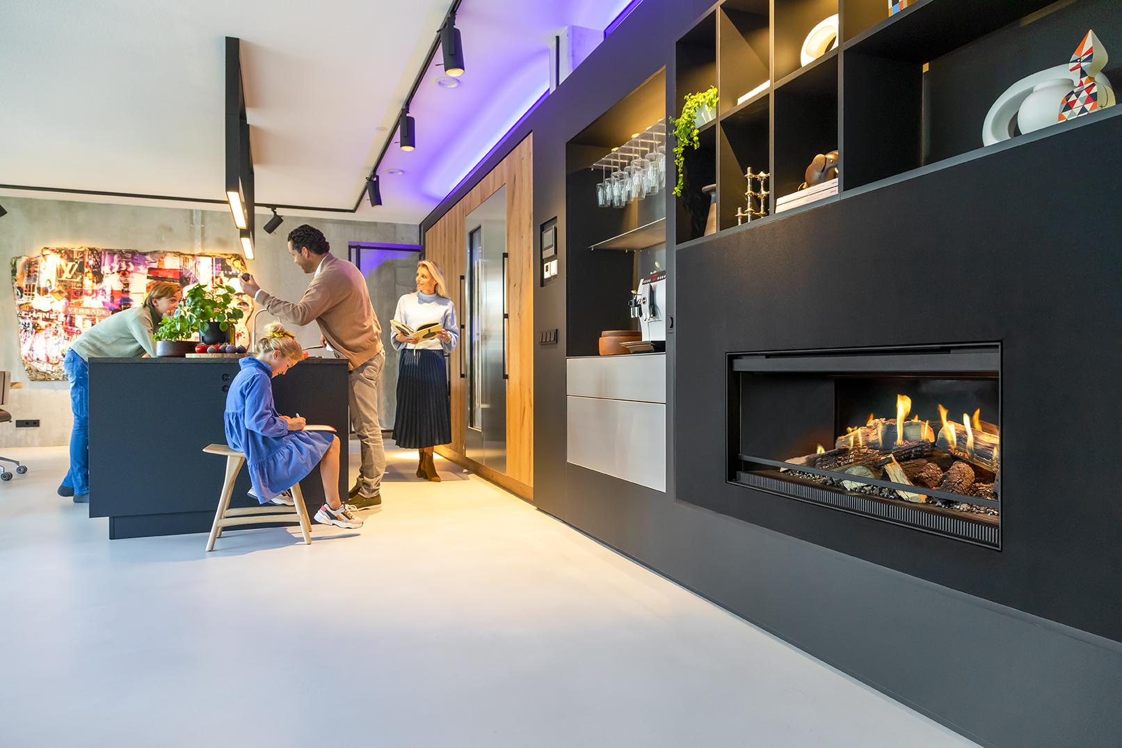 Intră în lumea șemineelor electrice premium, un loc al căldurii, confortului și eleganței